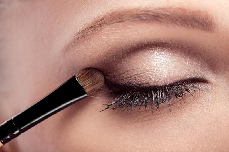 Göz Makyajı Nasıl Yapılır ?