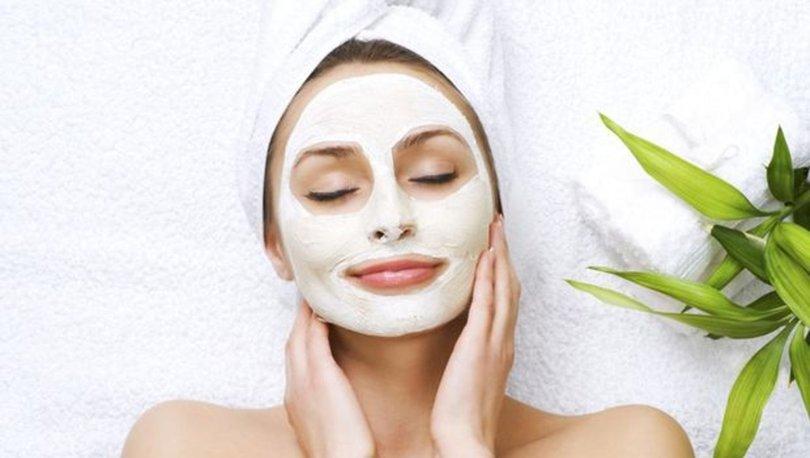 Yağlı ciltler için zerdeçal yüz maskesi